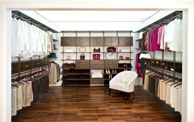 633_freedomrail_chocolate-pear_master-walk-in-closet-1